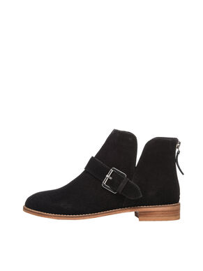 V-CUT SUEDE BOOTS