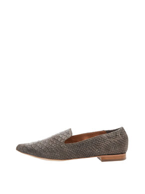 SOFT POINTY LOAFERS