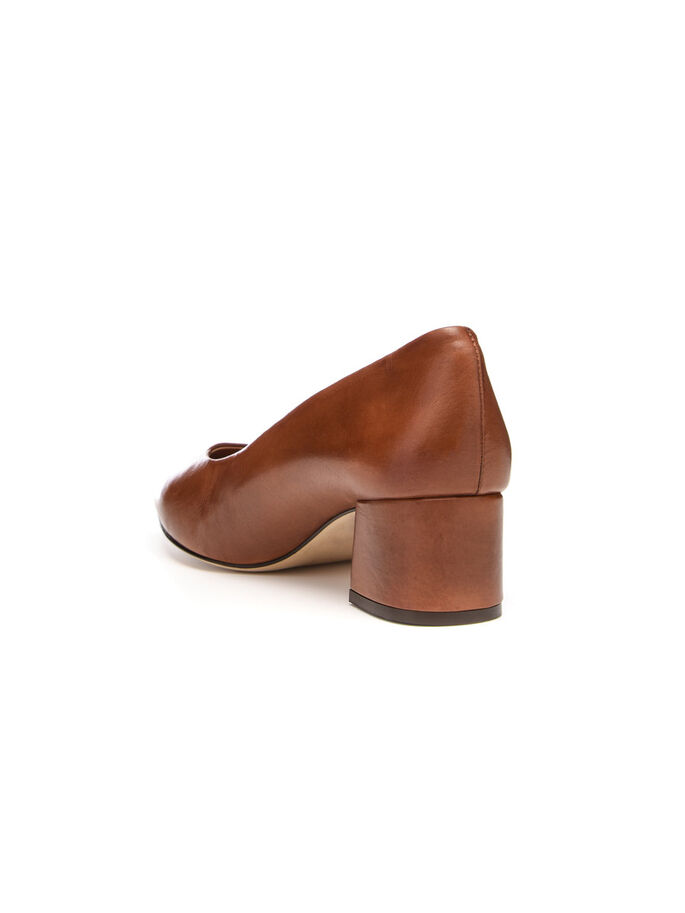 COURT PUMPS, Light Brown, large