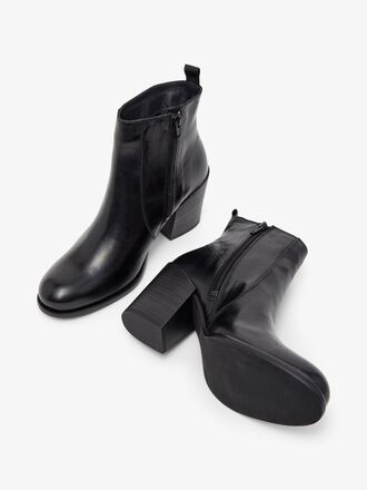BIADELMA ANKLE BOOTS